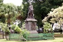 Statue Mahé de La Bourdonnais.