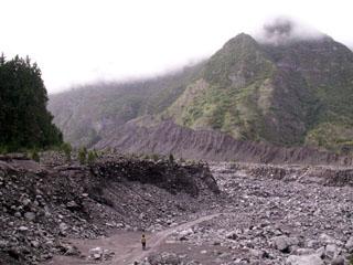 Rivière des Remparts éboulis de Mahavel Saint-Joseph La Réunion.