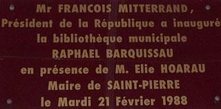 Plaque médiathèque de Saint-Pierre