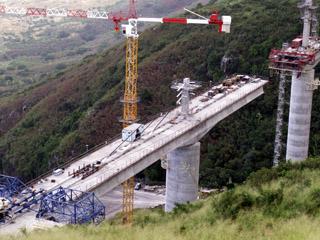 Construction du Viaduc de La Ravine des Trois-Bassins 8 mai 2007