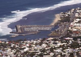 Vue en premier plan du quartier de Terre Sainte La Réunion.